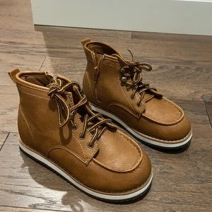 Baby Gap size 13 boot
